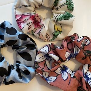 Scrunchie Set Big Trio set of 3 grey floral NWOT